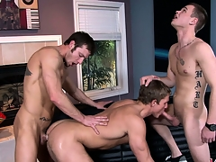 A trio be expeditious for everlasting gay cocks always provides be expeditious for a hot threesome show
