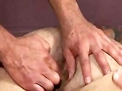 Muscle Abb' Gets Fingered
