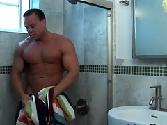 Blah muscle pauper takes a shower and strokes